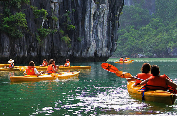 Halong Bay One Day (Standard Tour with 4,5 hours)
